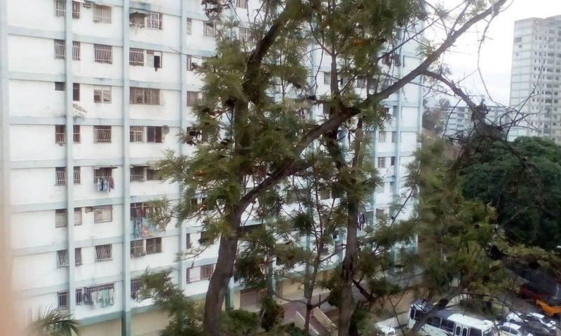 Apartamento Distrito Metropolitano>Caracas>Coche - Venta:16.000 Precio Referencial - codigo: 21-6221