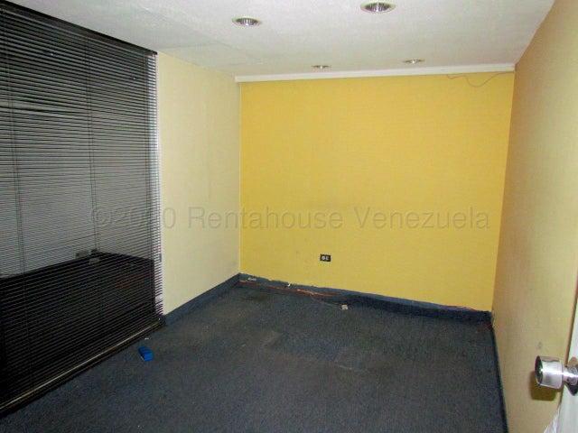 Oficina Distrito Metropolitano>Caracas>Chuao - Alquiler:550 Precio Referencial - codigo: 21-16889