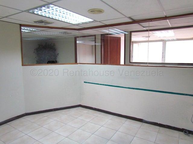 Oficina Distrito Metropolitano>Caracas>Chuao - Alquiler:650 Precio Referencial - codigo: 21-16888