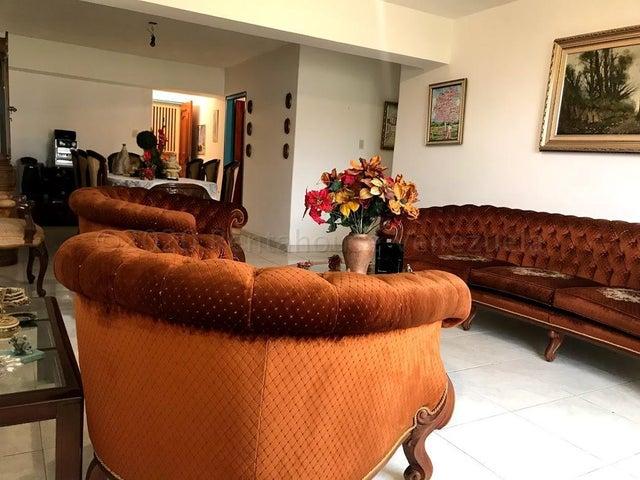 Apartamento Carabobo>Valencia>Valles de Camoruco - Venta:45.000 Precio Referencial - codigo: 21-7110