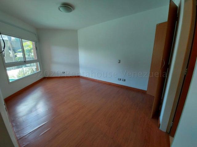 Apartamento Distrito Metropolitano>Caracas>Solar del Hatillo - Venta:95.000 Precio Referencial - codigo: 21-3106