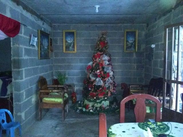 Casa Lara>Barquisimeto>Centro - Venta:35.000 Precio Referencial - codigo: 21-6434