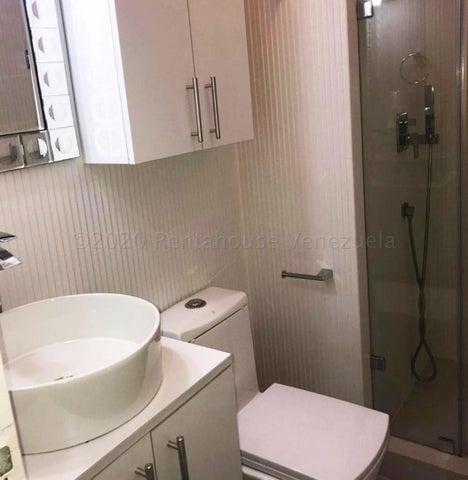 Apartamento Distrito Metropolitano>Caracas>Lomas del Sol - Venta:120.000 Precio Referencial - codigo: 21-6493