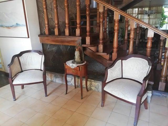 Casa Lara>Barquisimeto>Santa Elena - Venta:120.000 Precio Referencial - codigo: 21-6494