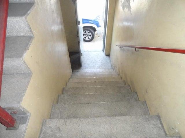 Edificio Distrito Metropolitano>Caracas>Catia - Venta:400.000 Precio Referencial - codigo: 21-6555