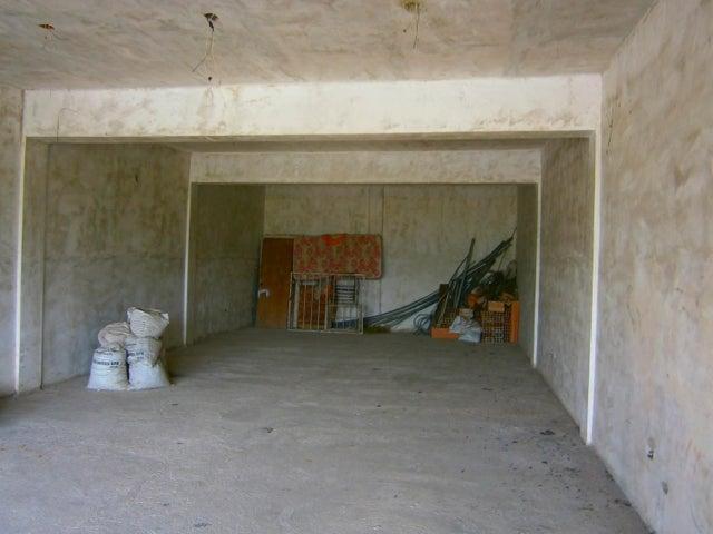 Local Comercial Carabobo>Municipio San Diego>Los Jarales - Venta:75.000 Precio Referencial - codigo: 21-6560