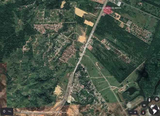 Local Comercial Miranda>Higuerote>Monte Lindo - Venta:6.000 Precio Referencial - codigo: 21-6589