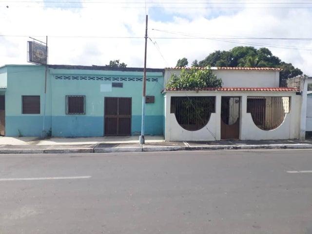 Casa Yaracuy>Chivacoa>Bruzual - Venta:15.000 Precio Referencial - codigo: 21-6645