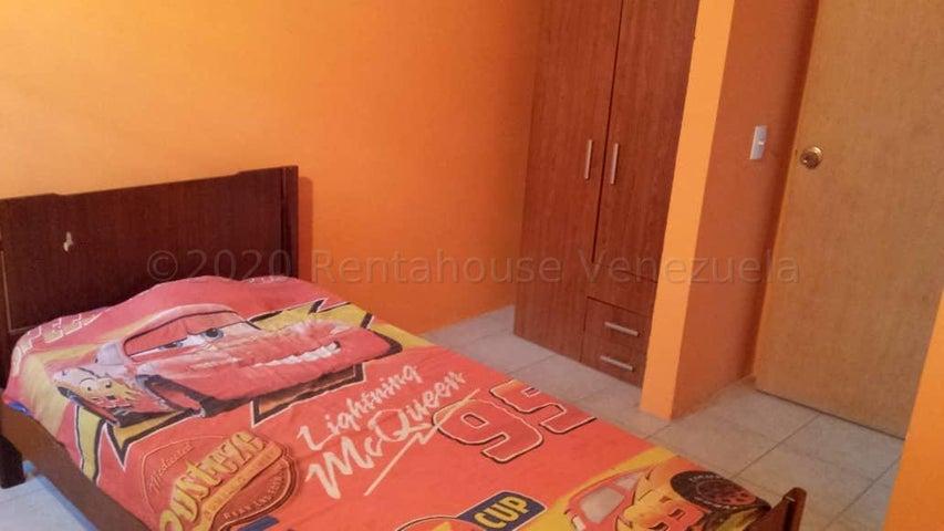 Casa Lara>Cabudare>Los Cerezos - Venta:21.000 Precio Referencial - codigo: 21-6652