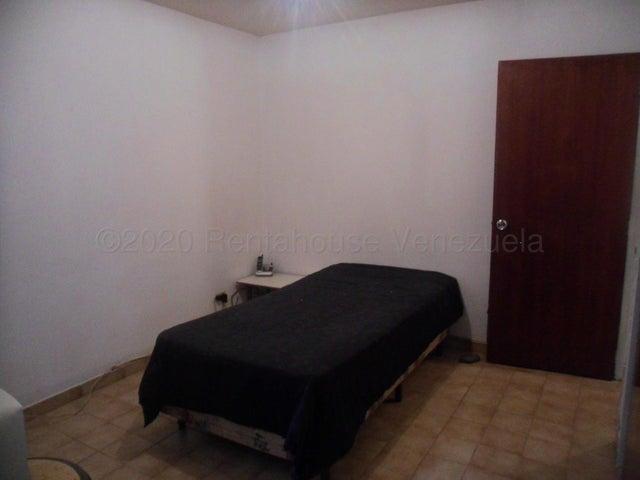 Apartamento Distrito Metropolitano>Caracas>Macaracuay - Venta:49.000 Precio Referencial - codigo: 21-6704