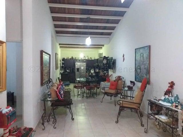 Casa Lara>Cabudare>Los Samanes - Venta:65.000 Precio Referencial - codigo: 21-6743