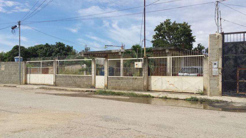 Casa Lara>Barquisimeto>Parroquia El Cuji - Venta:14.000 Precio Referencial - codigo: 21-6746