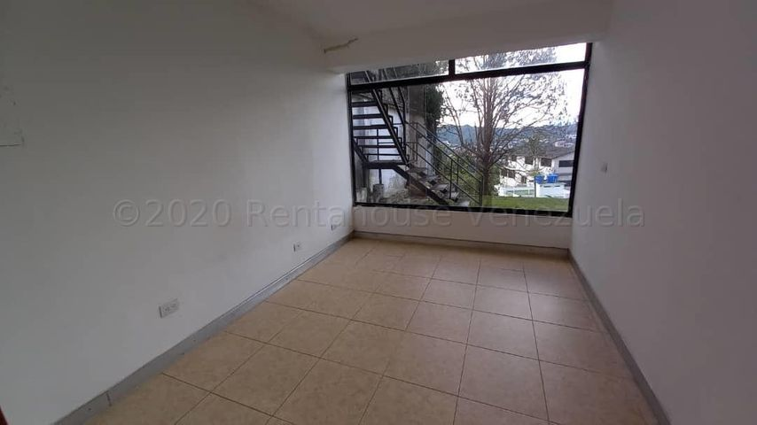 Casa Distrito Metropolitano>Caracas>El Peñon - Venta:170.000 Precio Referencial - codigo: 21-7130
