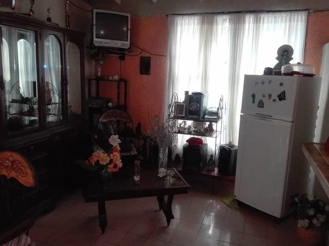 Casa Lara>Cabudare>Valle Hondo - Venta:22.000 Precio Referencial - codigo: 21-6784