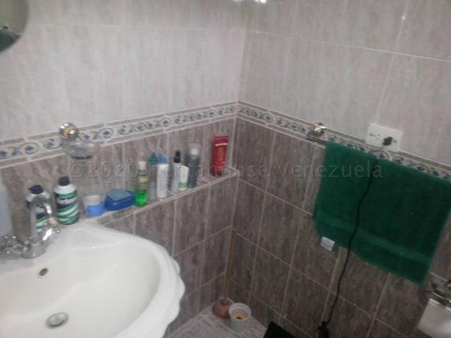 Casa Miranda>Guatire>El Castillejo - Venta:60.000 Precio Referencial - codigo: 21-6908