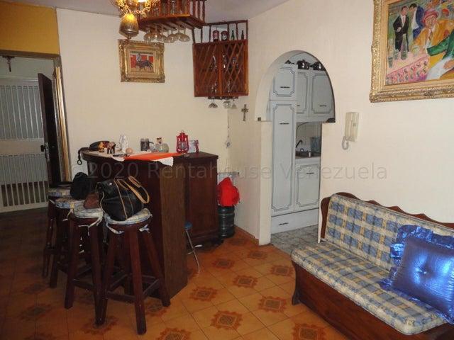Apartamento Distrito Metropolitano>Caracas>El Paraiso - Venta:29.000 Precio Referencial - codigo: 21-6899
