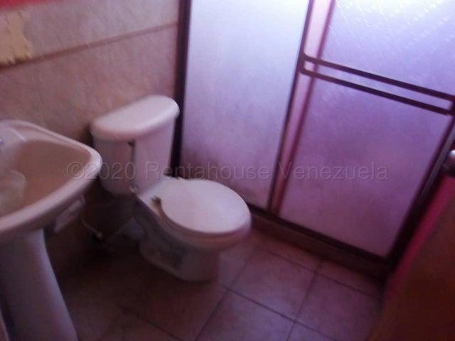 Casa Portuguesa>Araure>Agua Clara - Venta:21.000 Precio Referencial - codigo: 21-6991
