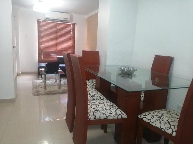 Townhouse Zulia>Maracaibo>Via La Concepcion - Venta:12.000 Precio Referencial - codigo: 21-7029