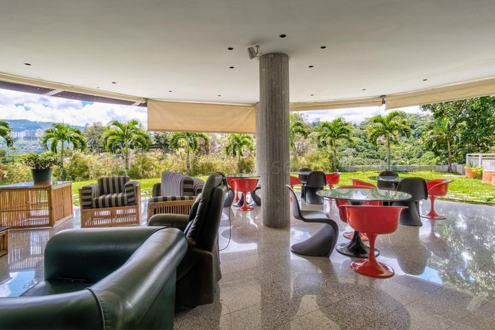 Casa Distrito Metropolitano>Caracas>Los Campitos - Venta:2.200.000 Precio Referencial - codigo: 21-7037