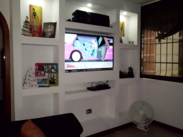 Apartamento Miranda>Guatire>La Rosa - Venta:13.000 Precio Referencial - codigo: 21-7069