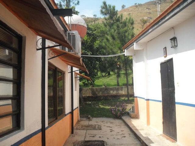 Casa Aragua>Maracay>El Toro de Las Delicias - Venta:332.000 Precio Referencial - codigo: 21-7081