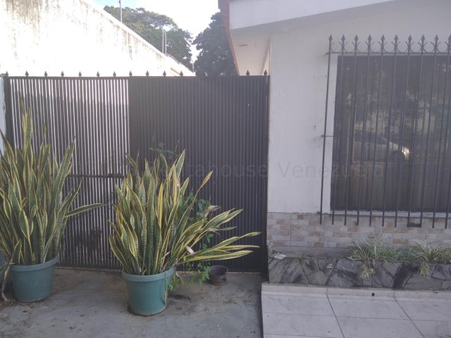 Casa Carabobo>Valencia>Trigal Sur - Venta:110.000 Precio Referencial - codigo: 21-7103