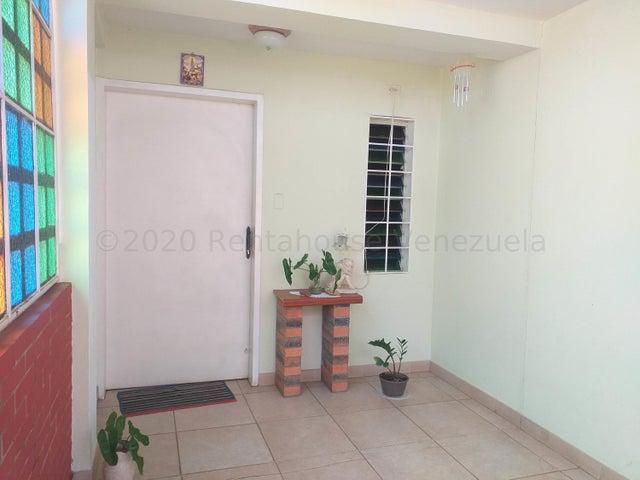 Casa Falcon>Coro>Centro - Venta:35.000 Precio Referencial - codigo: 21-7095