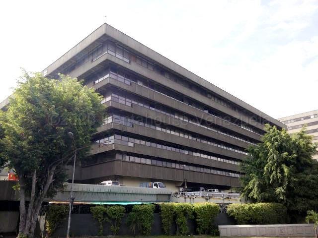 Local Comercial Distrito Metropolitano>Caracas>Chuao - Alquiler:900 Precio Referencial - codigo: 21-7102