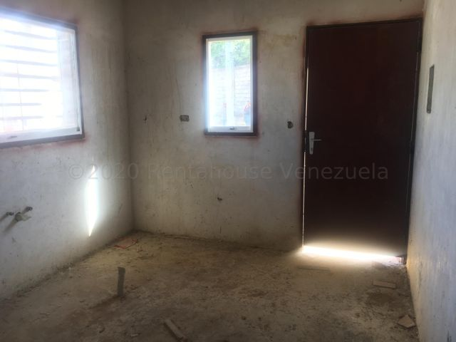 Casa Lara>Cabudare>Parroquia Cabudare - Venta:7.500 Precio Referencial - codigo: 21-7111