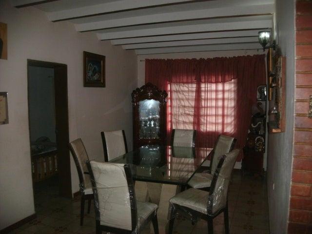 Casa Portuguesa>Acarigua>La Goajira - Venta:19.000 Precio Referencial - codigo: 21-7105