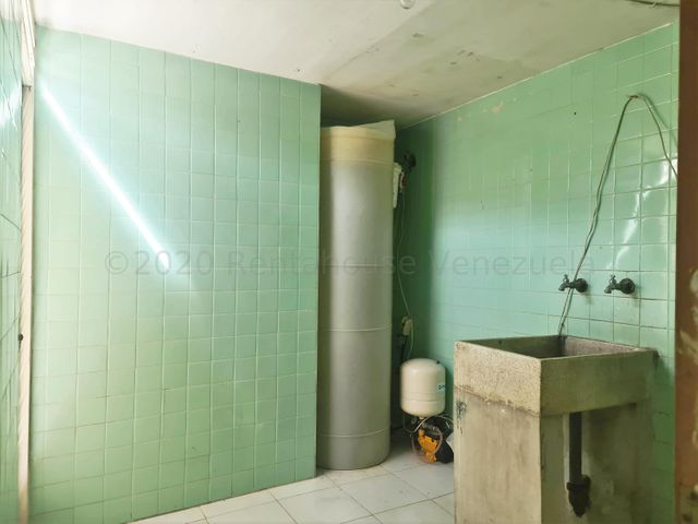 Apartamento Distrito Metropolitano>Caracas>Caurimare - Venta:70.000 Precio Referencial - codigo: 21-7104