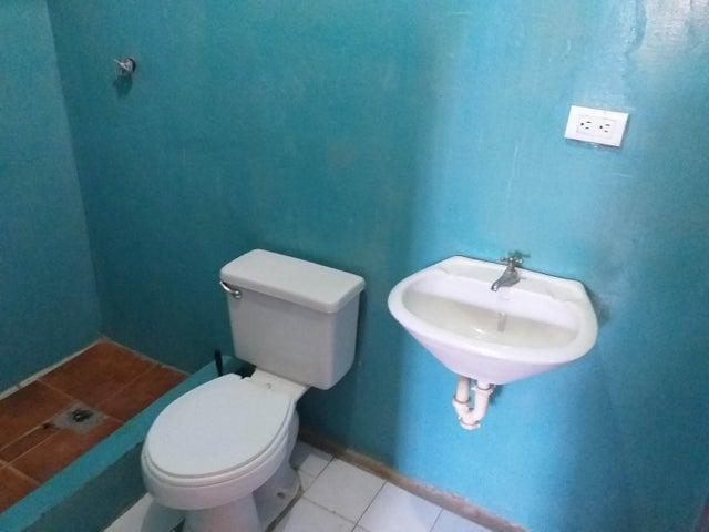 Casa Falcon>Coro>Cruz Verde - Venta:6.000 Precio Referencial - codigo: 21-7107