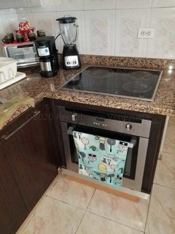 Apartamento Vargas>Parroquia Caraballeda>Tanaguarena - Venta:33.000 Precio Referencial - codigo: 20-23156