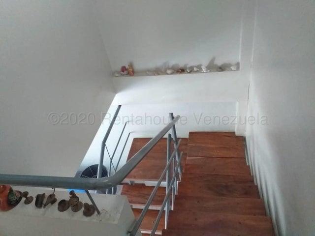 Casa Carabobo>Valencia>Parque Mirador - Venta:85.000 Precio Referencial - codigo: 21-7119