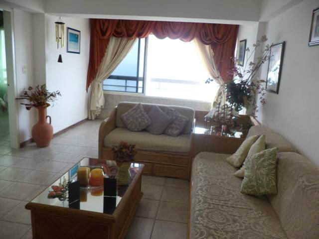 Apartamento Vargas>Catia La Mar>Playa Grande - Venta:43.000 Precio Referencial - codigo: 21-7124