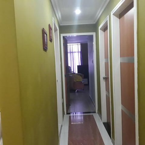 Apartamento Aragua>Cagua>Santa Rosalia - Venta:49.500 Precio Referencial - codigo: 21-7125