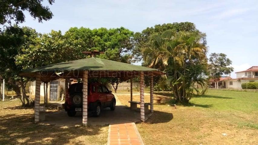 Terreno Miranda>Municipio Brion>Hacienda El Banquito - Venta:25.000 Precio Referencial - codigo: 21-7137