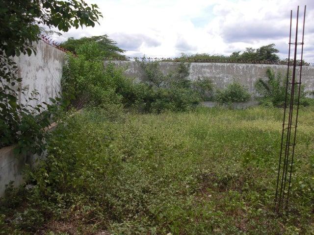 Casa Falcon>Coro>Sector Los Perozos - Venta:23.000 Precio Referencial - codigo: 21-7151