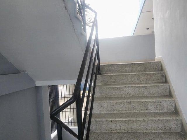 Oficina Carabobo>Municipio San Diego>Castillito - Alquiler:100 Precio Referencial - codigo: 21-7153