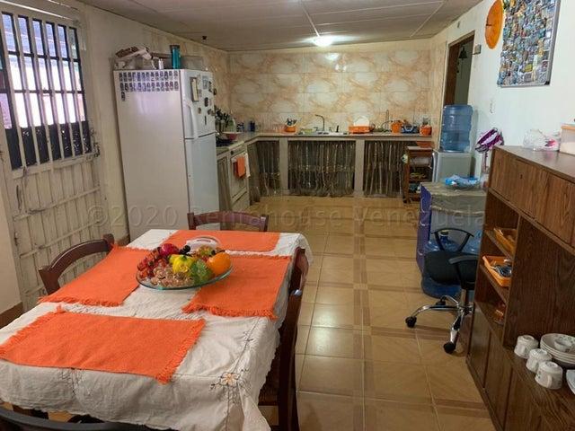 Casa Zulia>Ciudad Ojeda>La 'L' - Venta:18.000 Precio Referencial - codigo: 21-7156