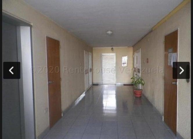Apartamento Anzoategui>Lecheria>Las Palmeras - Venta:28.000 Precio Referencial - codigo: 21-7164