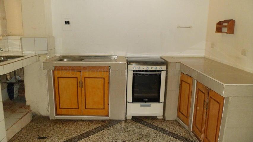 Apartamento Distrito Metropolitano>Caracas>Catia - Venta:15.000 Precio Referencial - codigo: 21-7162
