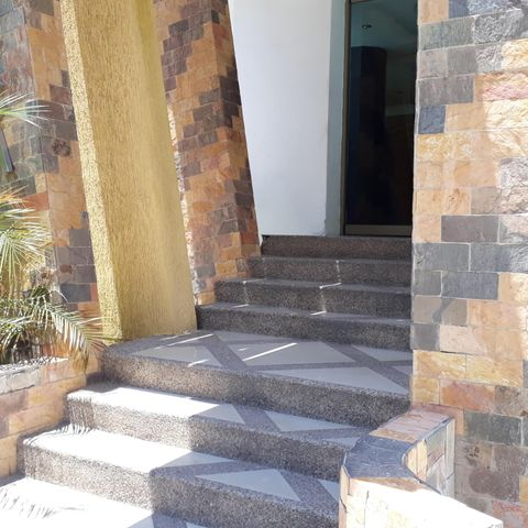 Oficina Aragua>Maracay>La Arboleda - Venta:45.000 Precio Referencial - codigo: 21-7171