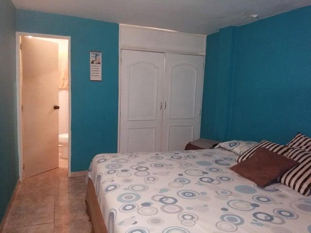 Casa Zulia>Maracaibo>La Rotaria - Venta:18.000 Precio Referencial - codigo: 21-7214