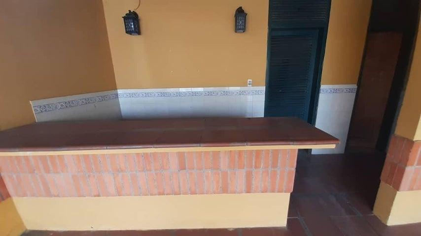 Casa Lara>Cabudare>Parroquia Jose Gregorio - Venta:30.000 Precio Referencial - codigo: 21-7366