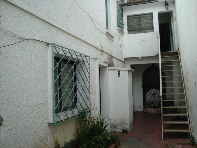 Terreno Distrito Metropolitano>Caracas>El Paraiso - Venta:80.000 Precio Referencial - codigo: 21-7515