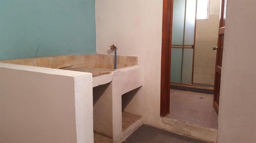 Apartamento Trujillo>Bocono>Centro - Venta:14.000 Precio Referencial - codigo: 21-7433