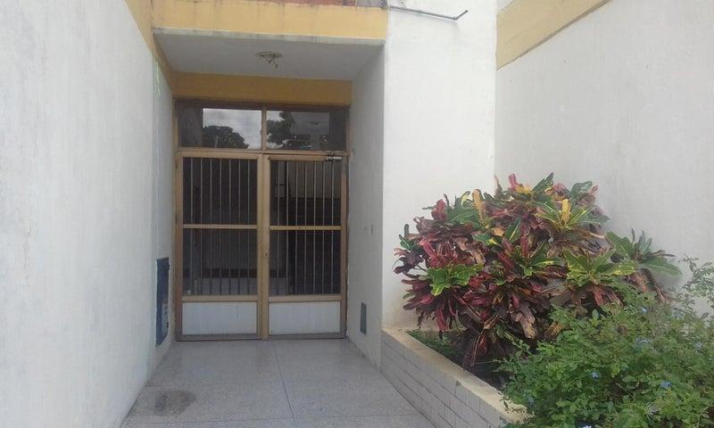 Apartamento Lara>Cabudare>Parroquia Cabudare - Venta:16.000 Precio Referencial - codigo: 21-7444
