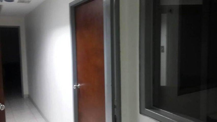 Edificio Distrito Metropolitano>Caracas>Catia - Venta:700.000 Precio Referencial - codigo: 21-7451
