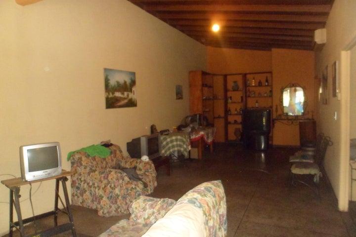 Casa Carabobo>Municipio Los Guayos>Araguaney - Venta:11.000 Precio Referencial - codigo: 21-7611
